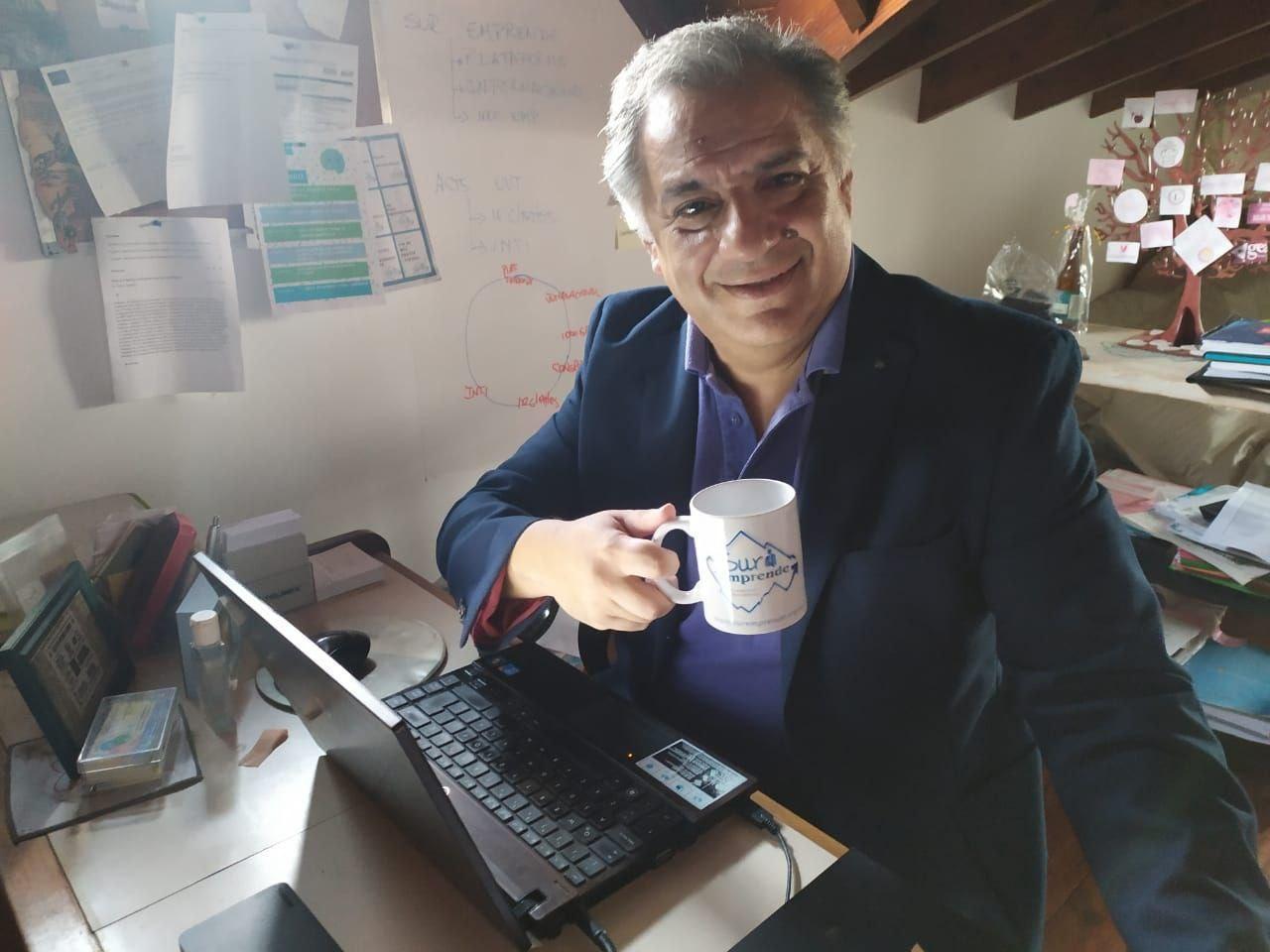 Podcast N° 16 – TIC en las empresas y en la Educación, emprendedurismo  Proyectos Tecnológicos – Hector Alcar